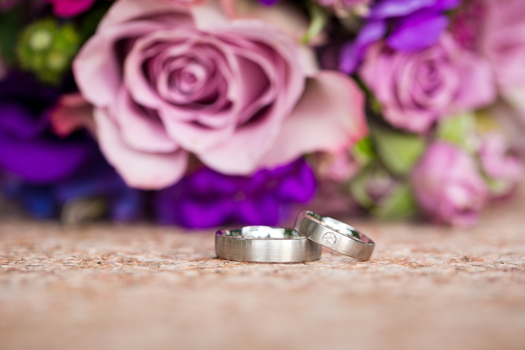 Hochzeitsstrauss Mit Ringen Zeitromantiker Zeitromantiker